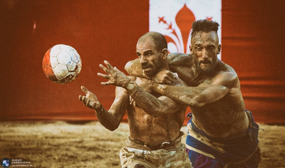 Historical tournament between areas of Florence, held at the turn of the week of the patron saint of Florence: San Giovanni