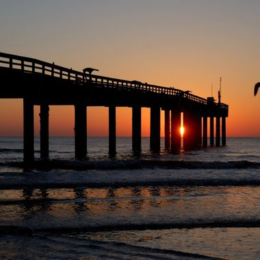 fishing-pier-at-sunrise