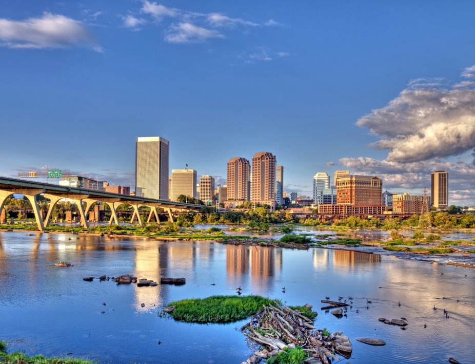 A HDR image of the skyline of Richmond, Virginia as it appeared in September 2009, shot with my o...