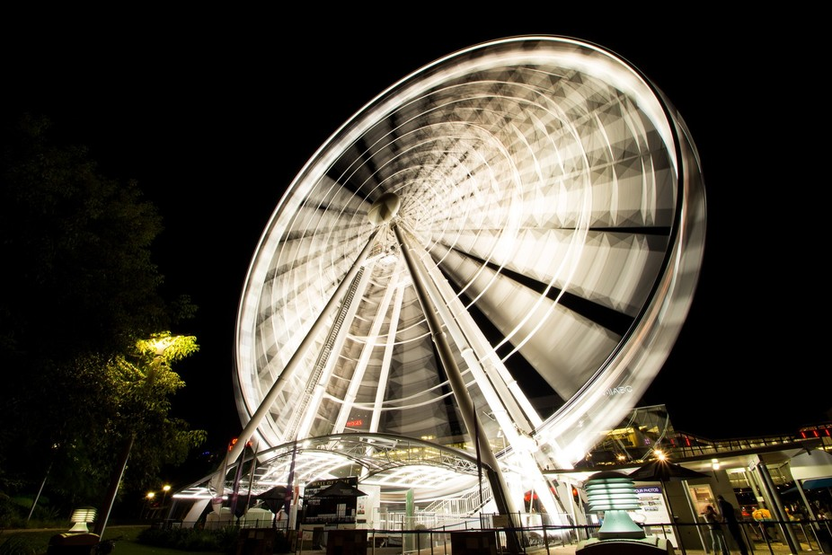Went down to southbank and captured the White Wheel in action with my Canon 650D with Tamron SP 1...