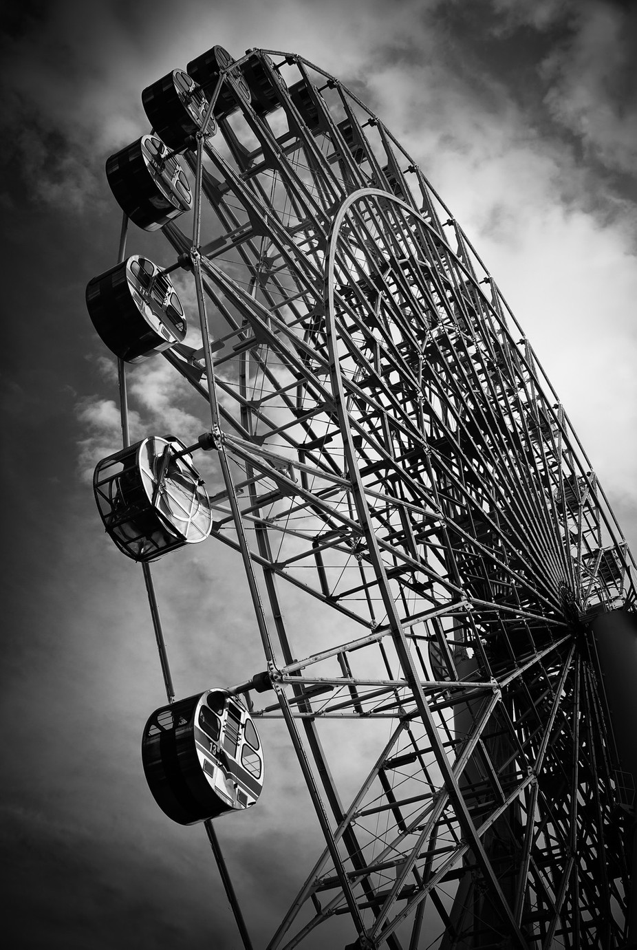 Ferris Wheel, FujiQ Highlands by davidscottrobson - Large Photo Contest