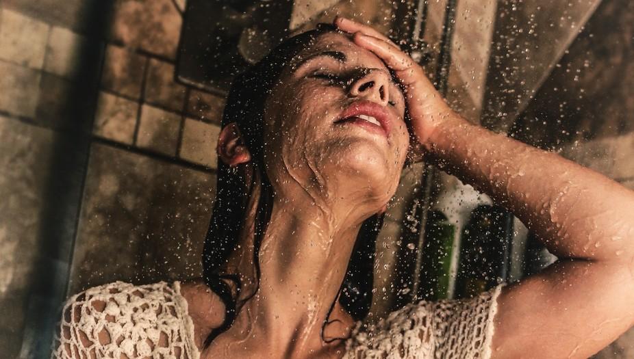 Shower shoot with high speed shutter