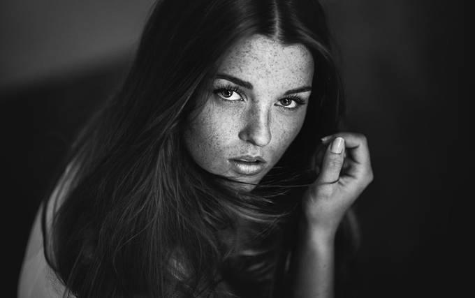 Lara by Marcogressler - Long Hair Photo Contest
