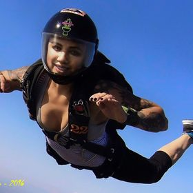 After some thousands jumps, hundred thousands photos, the model is Alice, my daughter.... emotion!!!