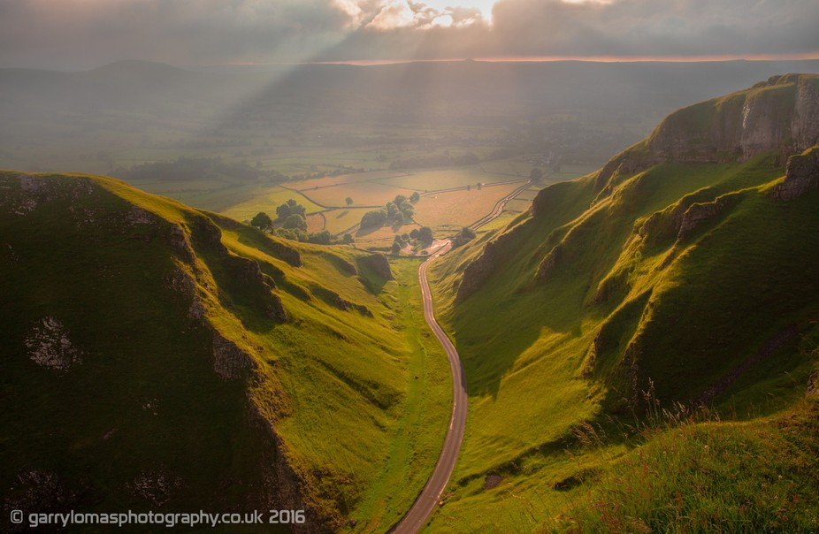 Castleton from the summit of Winnats Pass, Castleton, Hope Valley. Peak District