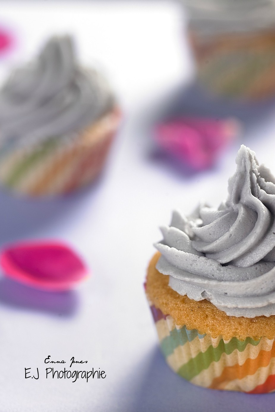 Macro cupcakes by EmmaJPhotographie - Looks Delicious Photo Contest