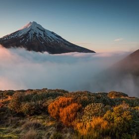 This view was the reward of a twelve hour hike at Mt.Taranaki in the Egmont Nationalpark on the North Island of New Zealand and getting up early ...