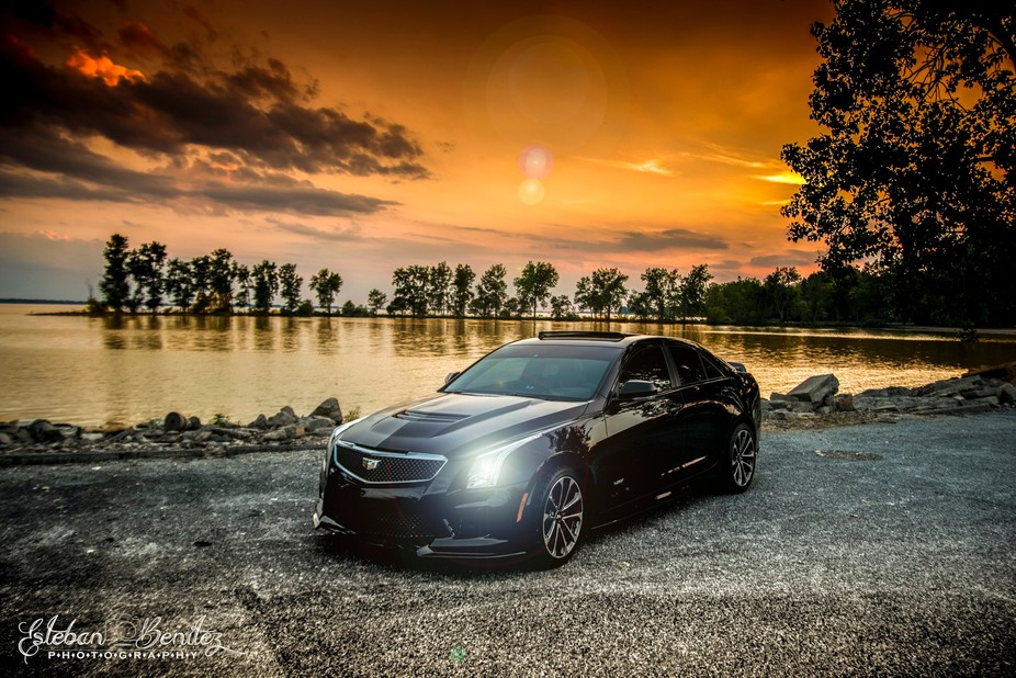 Nothing batter then a nice car to compliment the sunset.