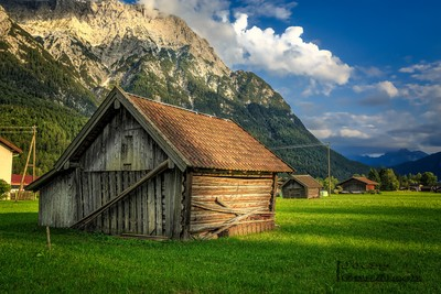 the wooden hut and the Mountain