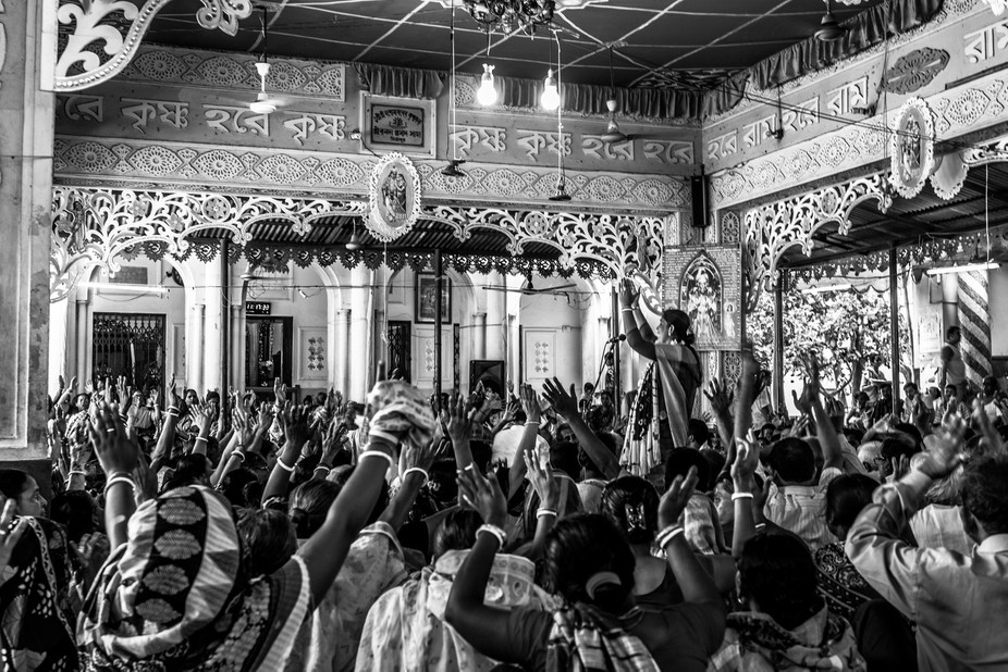 Kirtan is a special kind of song performed in India's bhakti devotional traditions.