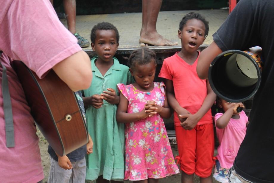 Singing haitians