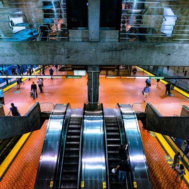 Metro Lionel Groulx - MTL