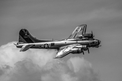 """Commemorative Air Force Boeing B-17G Flying Fortress """"Sentimental Journey"""""""