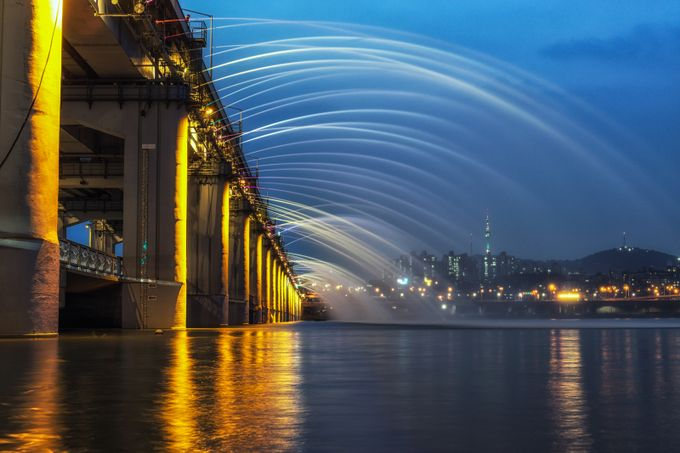 Banpo Bridge Fountain Show at night by aaronchoiphoto - Long Exposure Experiments Photo Contest