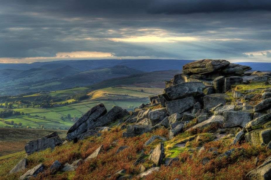 I was passing through the peak district when I came across some very nice scenery so decided to s...