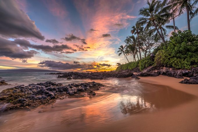 Hawaiian Sunset Wonder by PierreLeclercPhotography - The Ocean Photo Contest