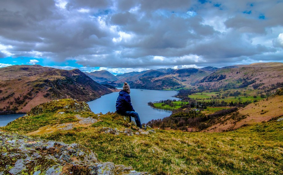 this is me looking over ullswater in the lakedistrict  from ewe crag