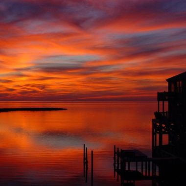 Coming back from an early Thanksgiving dinner, I happened upon this glorious sunset on the bay side  of the Outer Banks of North Carolina.