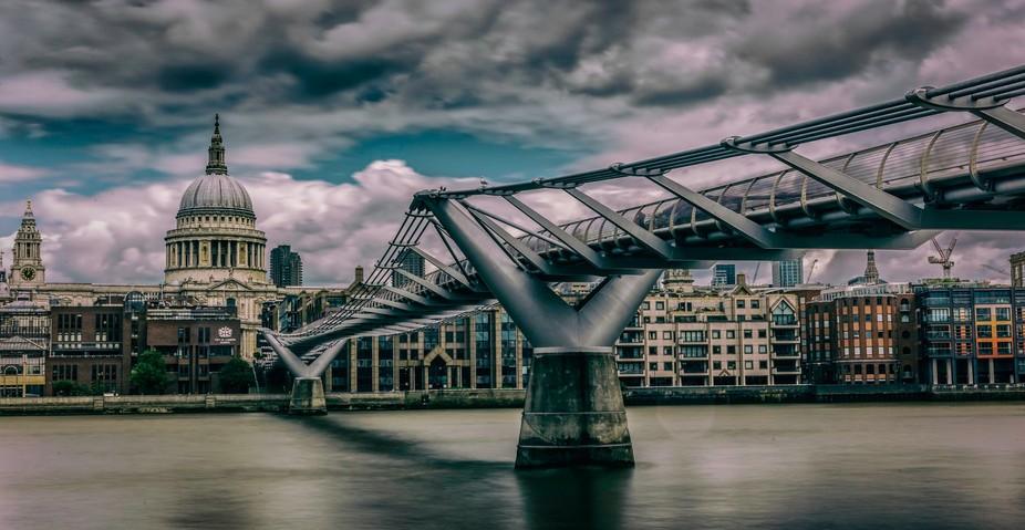 London Millenium PS 2