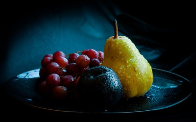Plum, pear and grapes [9493_4_5-5]