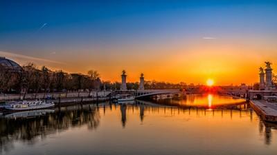 Sunrise on Pont Alexandre III