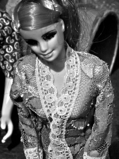"Barbie Tradisional Mode With ""KEBAYA INDONESIA"""