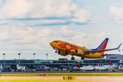 Southwest Airlines(New Mexico One Livery) Boeing 737-7H4(N781WN).