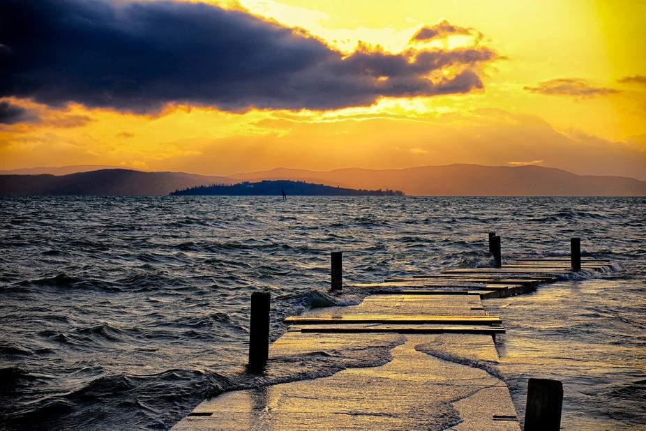Aspettando la pioggia ed il tramonto al lago trsimeno