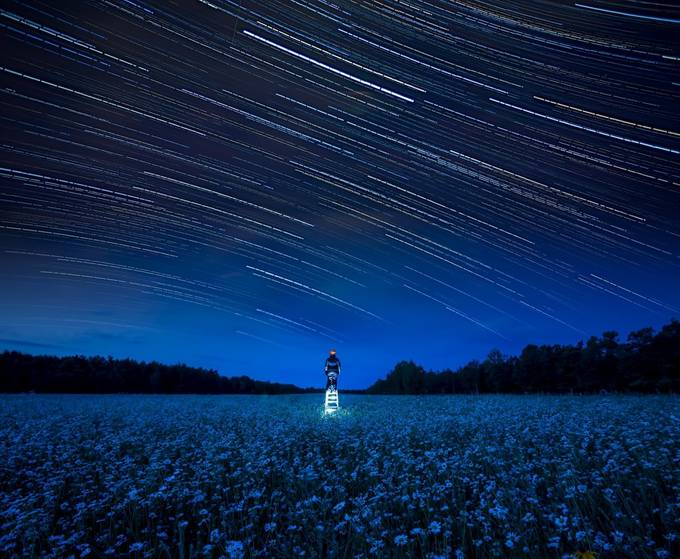 To Reach The Stars by GigiJim08 - People In Large Areas Photo Contest