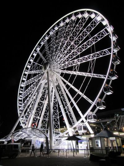 White Wheel at Night