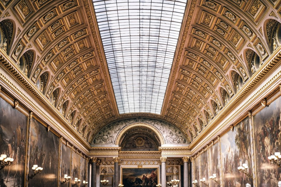 Versailles's castle hall of wars. How to render a glorious and magnificent view on massi...