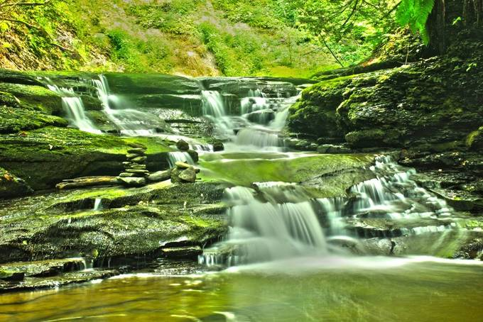 This is another cool little arrangement of water falls down stream from Carpenter falls.