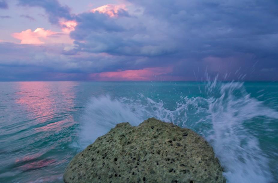 Ocean waves in Miami