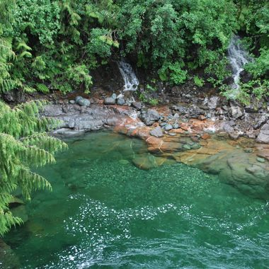 Crystal waters of Strathcona, Van Isl