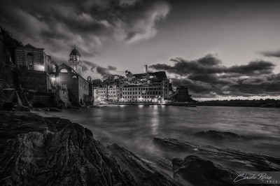 Vernazza Black and white