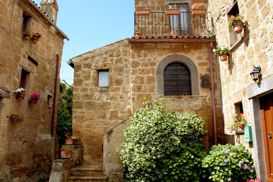 Exploring the most charming village in Italy- Civita di Bagnoregio which is only accessible via f...