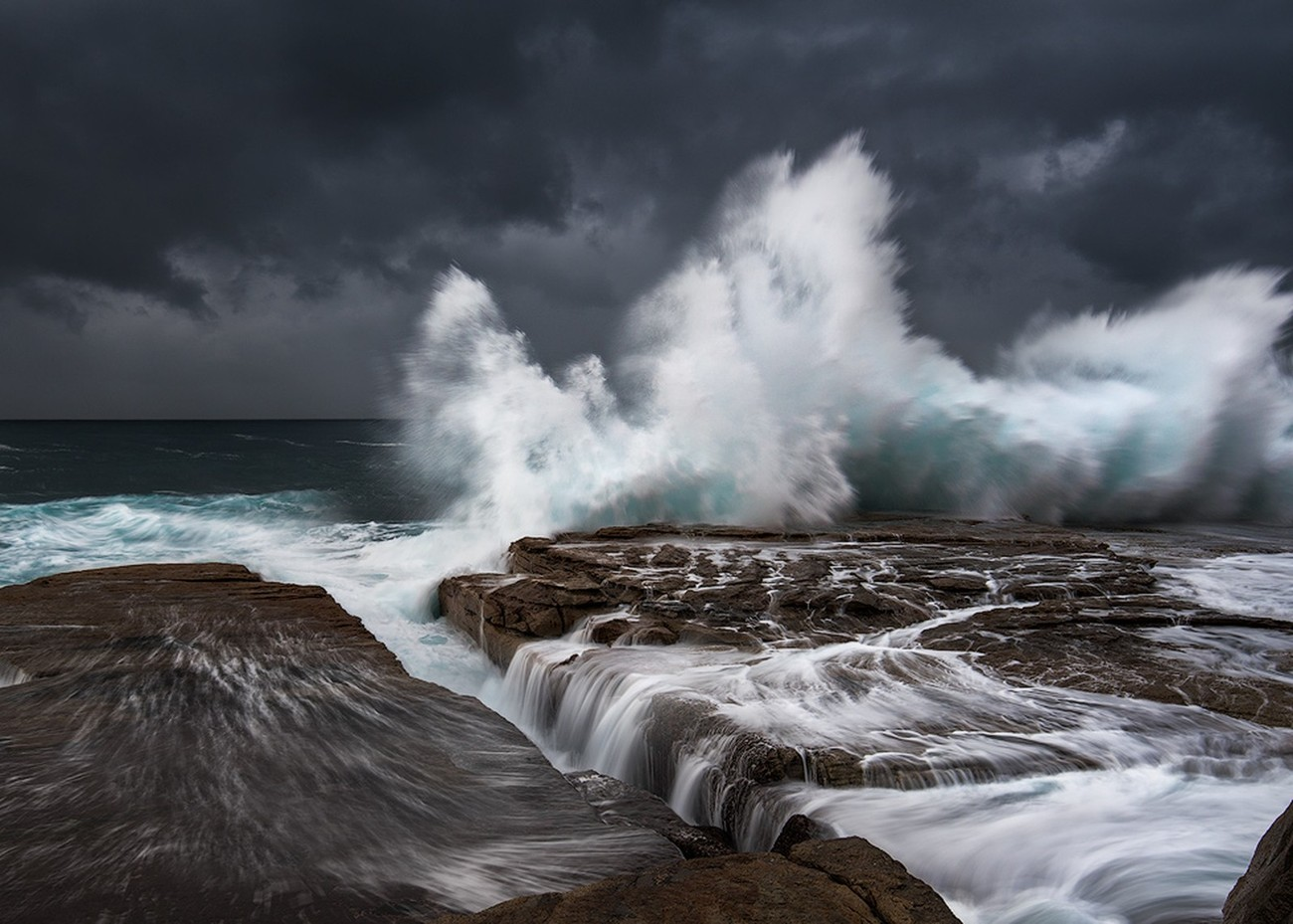 15+ Photographers Get Ready For A Storm