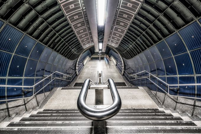Jubilee Line , London by SarahCaldwell - Metro Stations Photo Contest