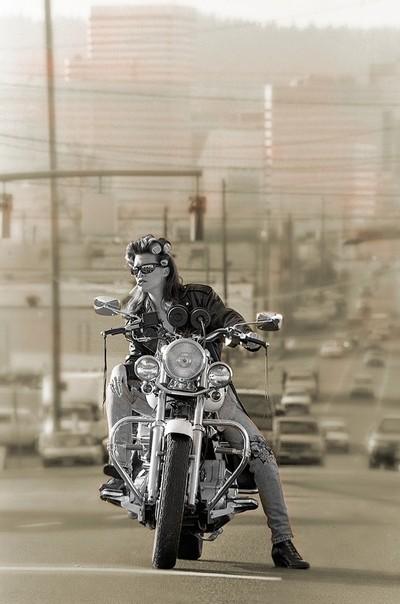 House wife bikers