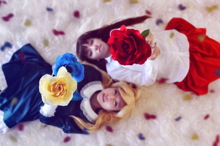 """Mary and Ib from the game """"Ib"""" . Mary 