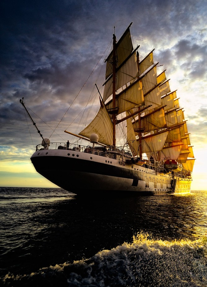 Royal-Clipper-6-_1728x1243 by robsb - Ships And Boats Photo Contest