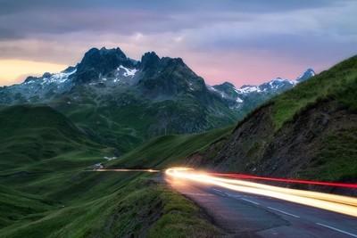 Light to the mountain