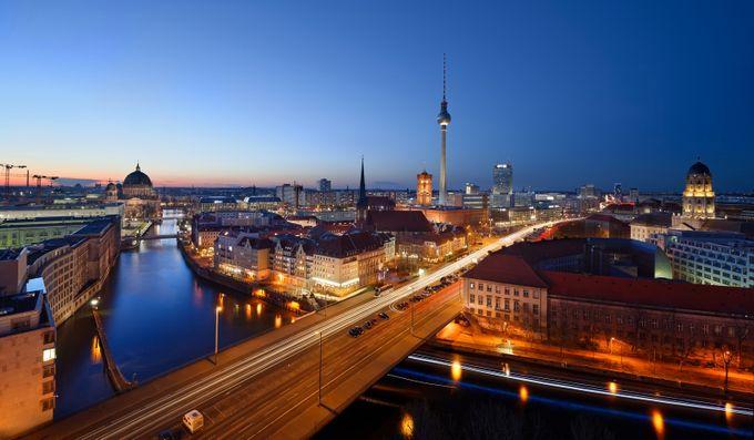 Berlin Winter Sunset by Merakiphotographer