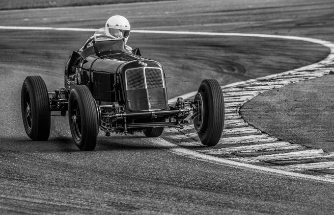 Le Mans-2 by SURREALIMAGE - Curves And Compositions Photo Contest