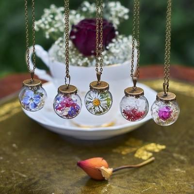 Jewellery in Full Color