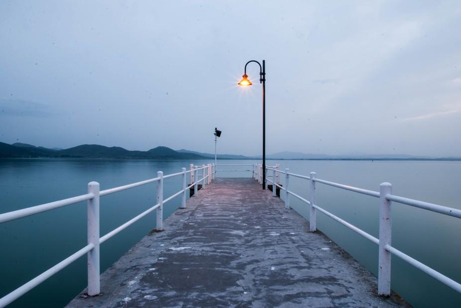 """""""Fai che il tuo cuore sia come un lago. Con una superficie calma e silenziosa. E una pro..."""