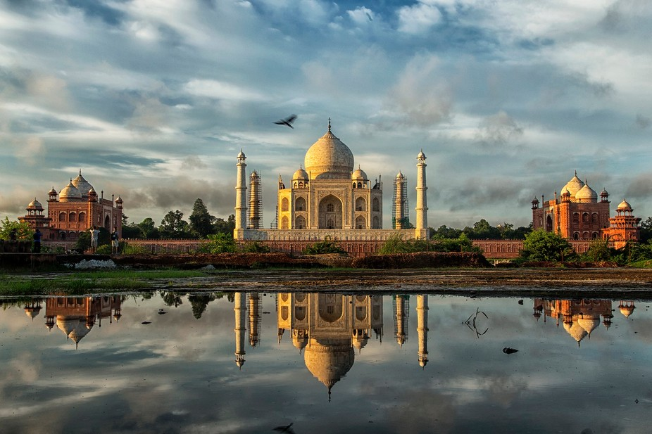 Taj mahal- this is what monsoon and Sunrise does to you ....  refection on the rain water... Tajm...