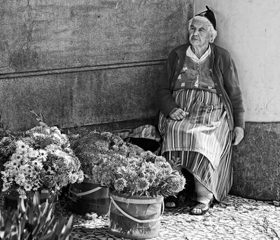 Madeira Flower seller-1
