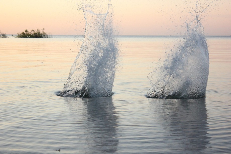 Twin Splashes
