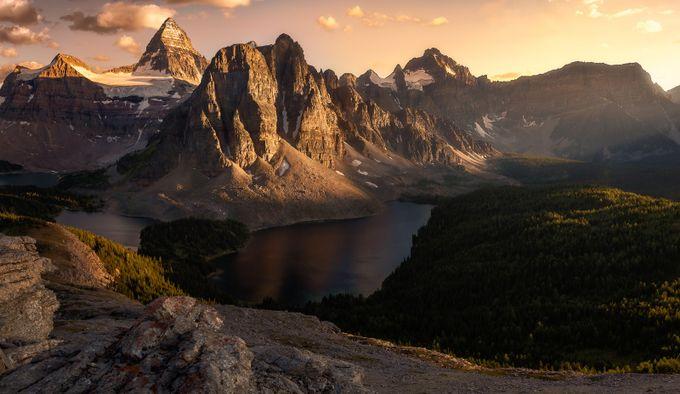 Mount Assiniboine Sunset by jasondarr